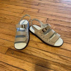 Comfy Leather Strap Sandals